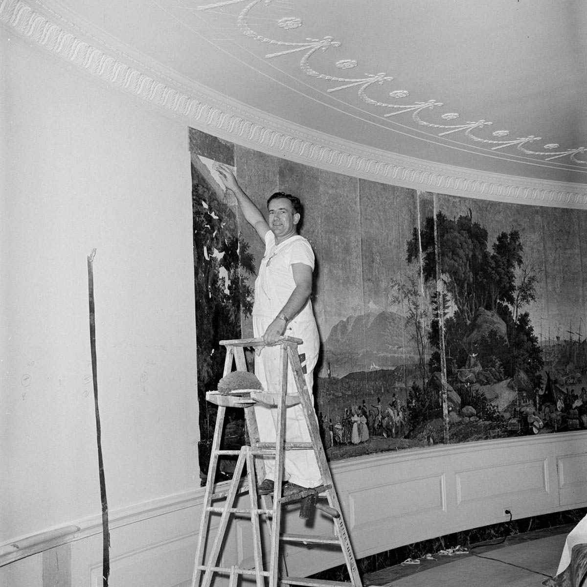 The Incredible History of Jackie Kennedy's Decorating of the White