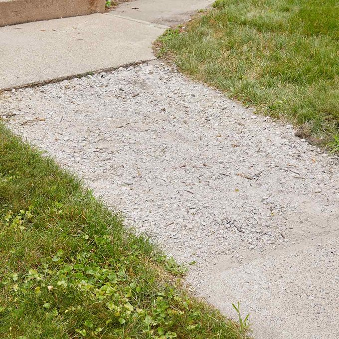 Sakrete_bad_sidewalk