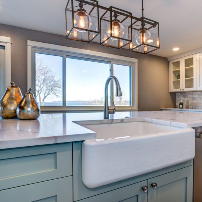 Why You Should Avoid the White Farmhouse Sink Trend