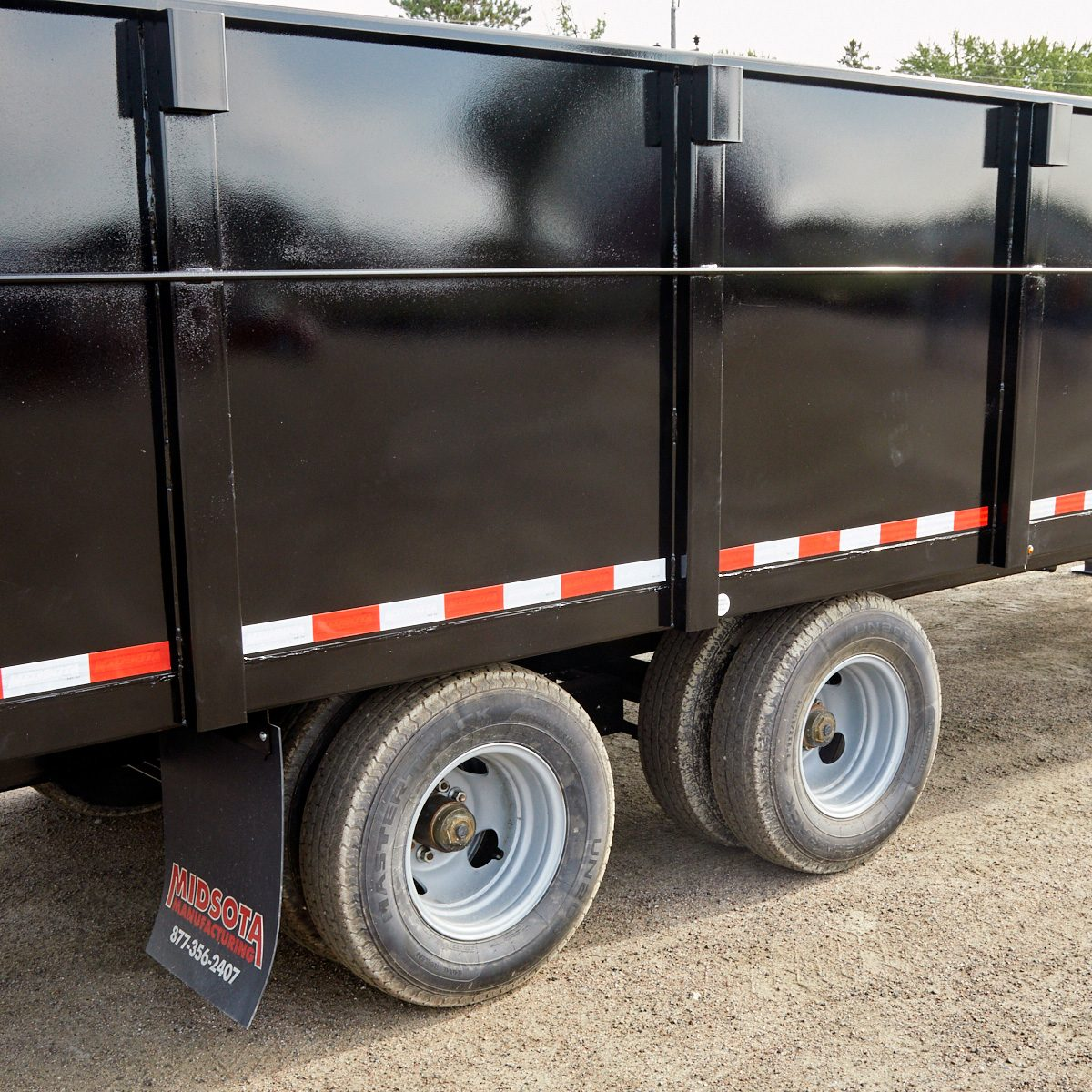A deckover trailer | Construction Pro Tips