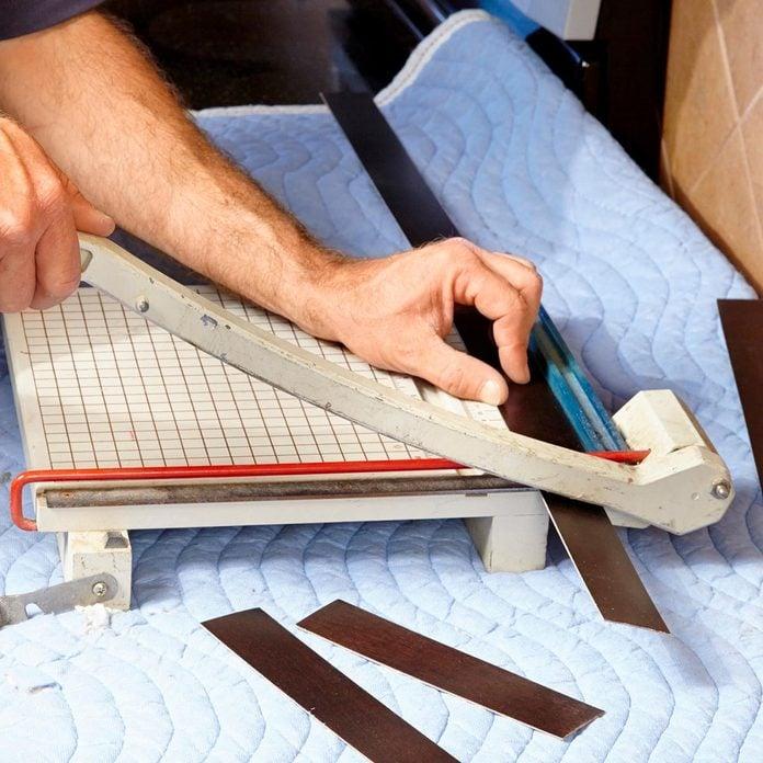 cut veneer to length
