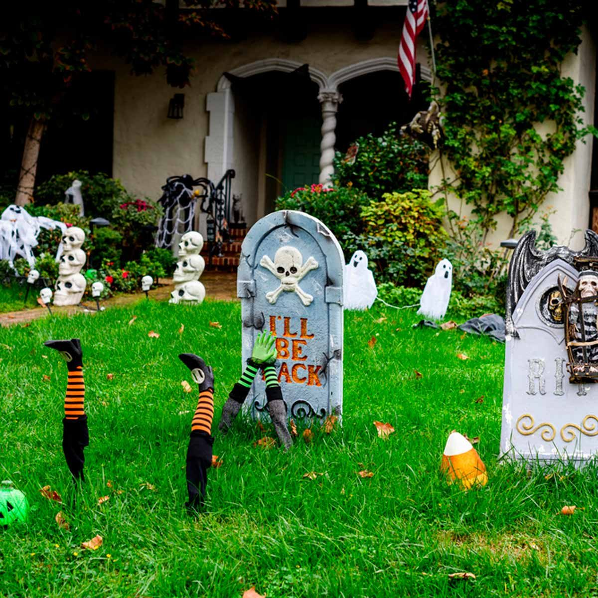 Decorate House For Halloween: 24 Ways To Decorate Your Home For Halloween