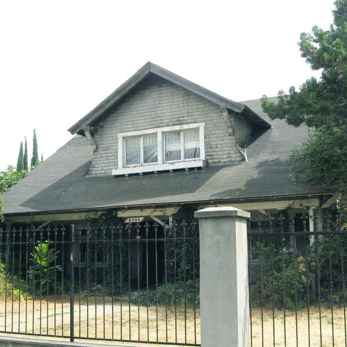 15 Seriously Ugly Celebrity Homes You Need to See   The Family Handyman