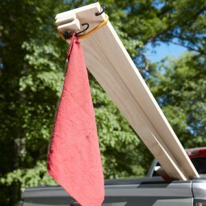 Here's Why You Should Fly Your Own Flag When Hauling Long Loads