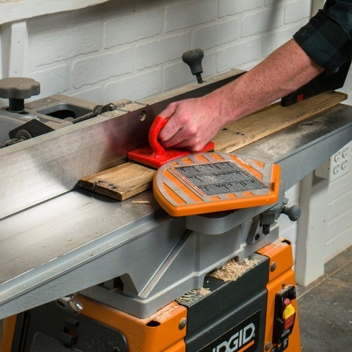 pallet side table flatten and straighten