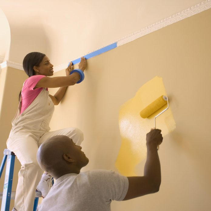 Couple Painting Wall Gettyimages A0034 000149b