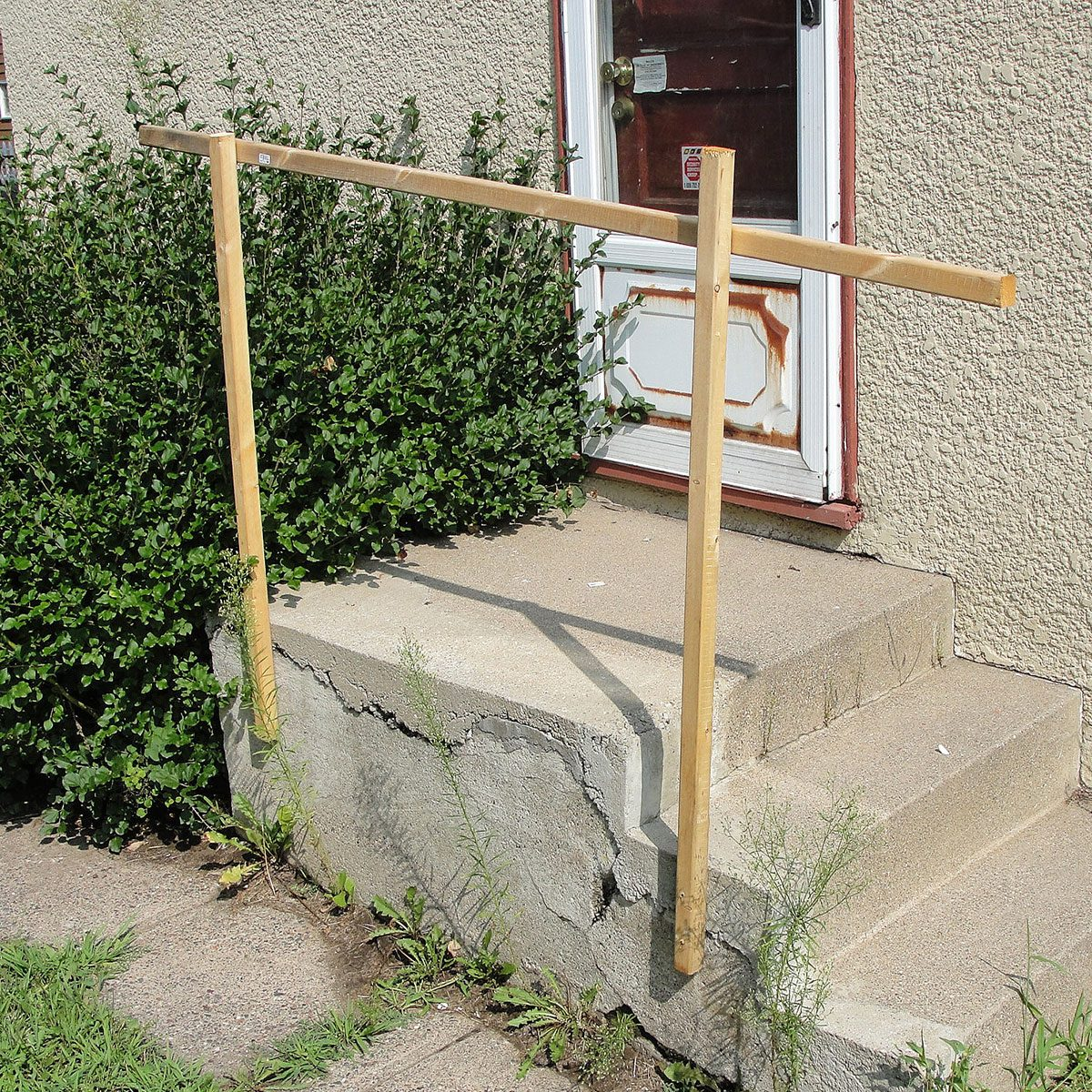 Handrail made from thin pieces of wood