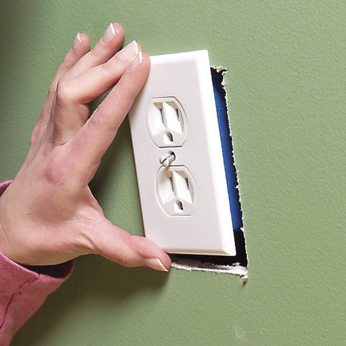 Wiring A Switch And Outlet The Safe Easy Way Family Handyman Common Mistakes 3 Oversize Plates Hide