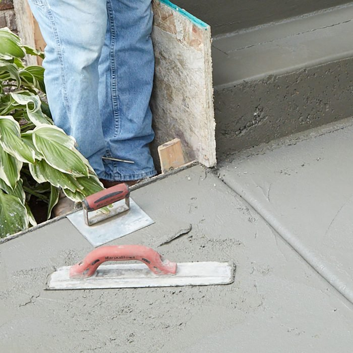 Placing tools on a concrete surface so they don't dry out | Construction Pro Tips