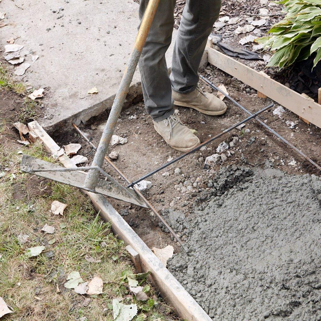 Lifting rebar with rake | Construction Pro Tips