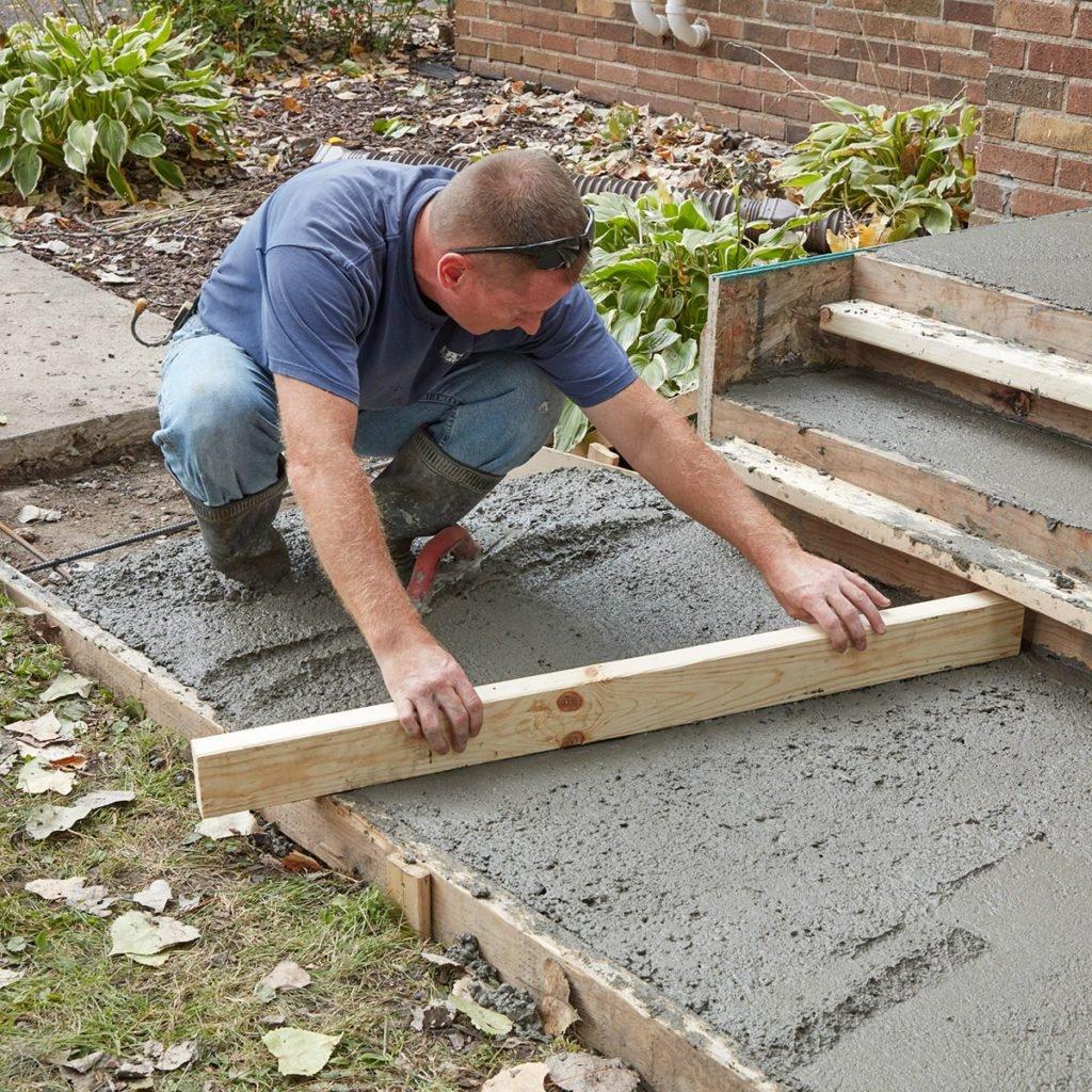 Screeding the sidewalk | Construction Pro Tips