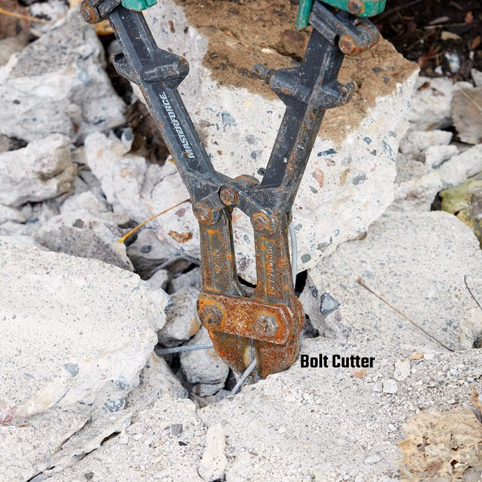 Cutting rebar with bolt cutters | Construction Pro Tips
