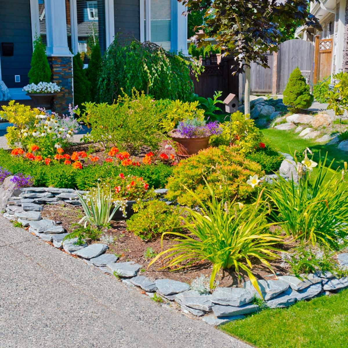 Image of: 5 Favorite Flower Bed Edging Ideas Family Handyman