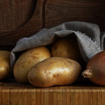 how to store potatoes and onion, spill out canvas bag