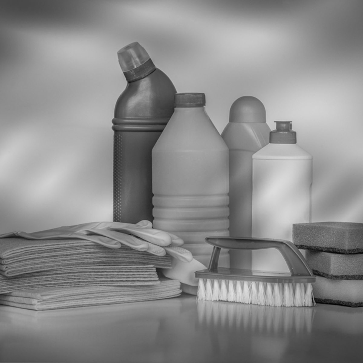 20 Common Household Cleaning Products You Should Never Mix
