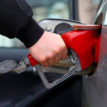 10 Bad Gas Pump Habits That Cost You Hundreds Each Year
