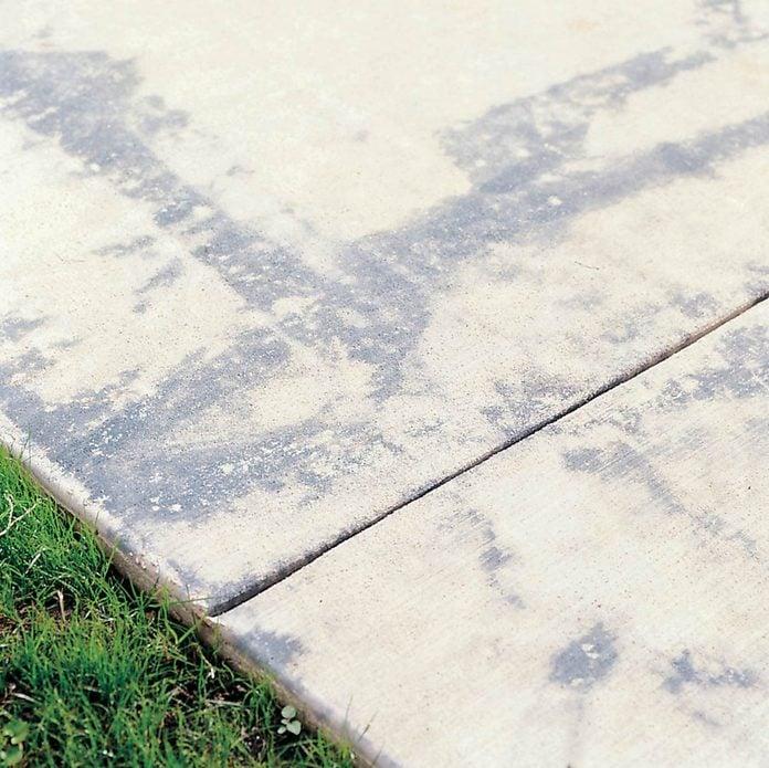 Concrete sidewalk molting
