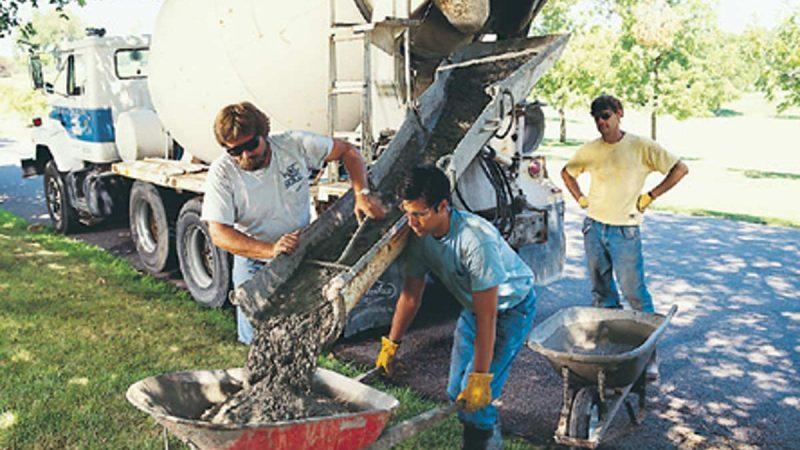 concrete mix pouring concrete