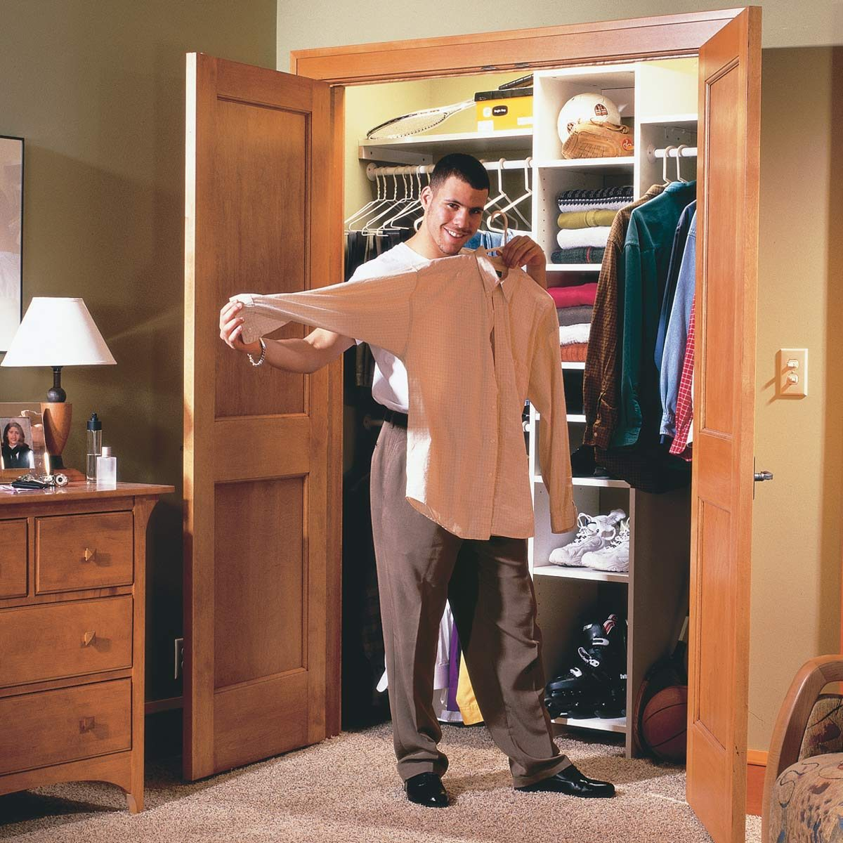 How To Build A Wall To Wall Closet Store More Stuff In A Closet With Doors Diy