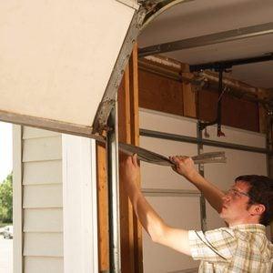 How to Winterize Your Garage Door