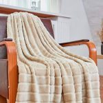 11 Coziest Throw Blankets for Your Living Room