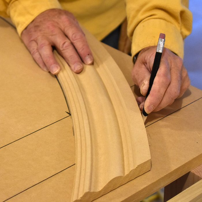 Tracing the arc of the radius trim   Construction Pro Tips