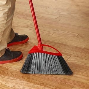 How to Clean Your Broom