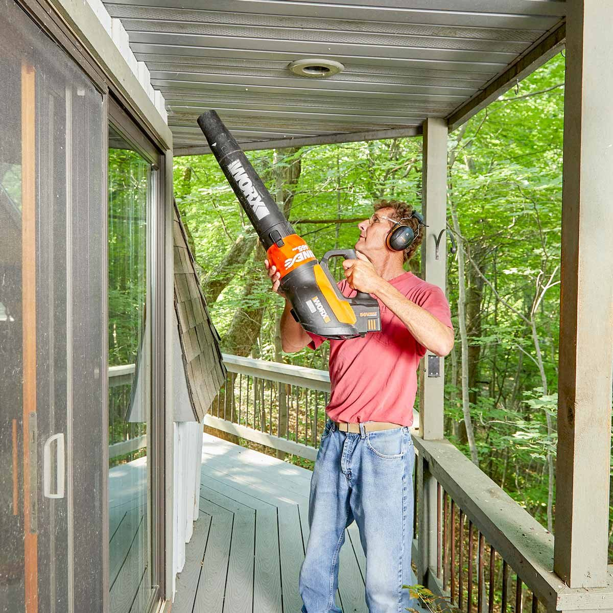soffit blasting leaf blower