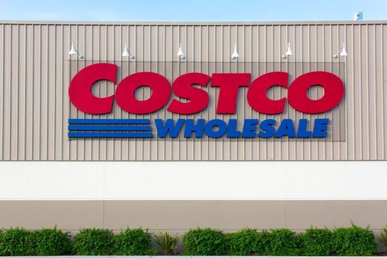 13 Ways Costco Tricks You into Spending More Money