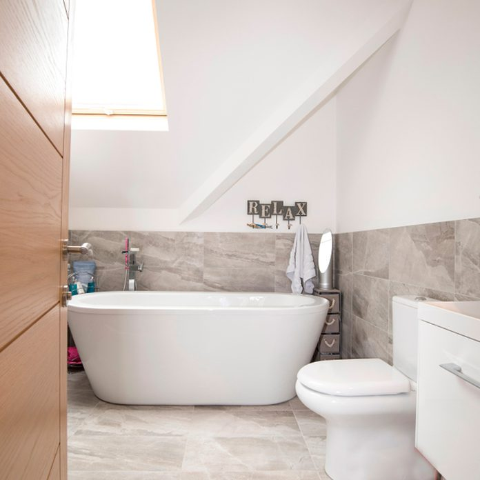 tub This is a great small master bathroom idea