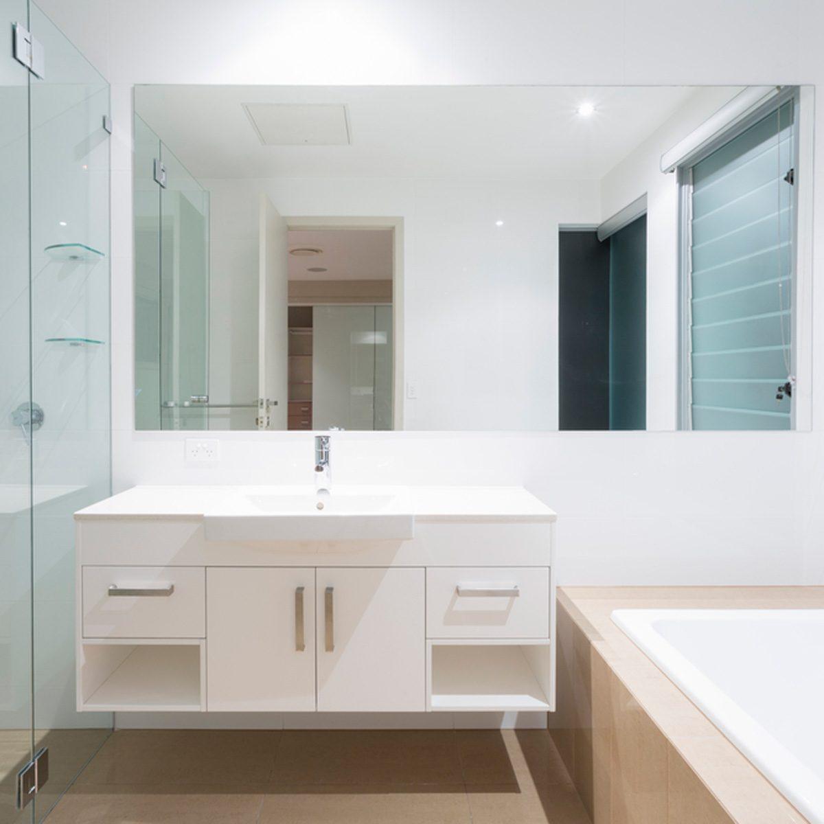 10 Genius Small Master Bathroom Ideas that WOW! | Family ...