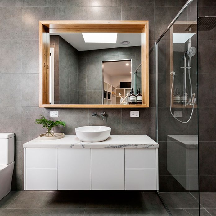 10 Genius Small Master Bathroom Ideas, Small Master Bathroom Remodel Ideas