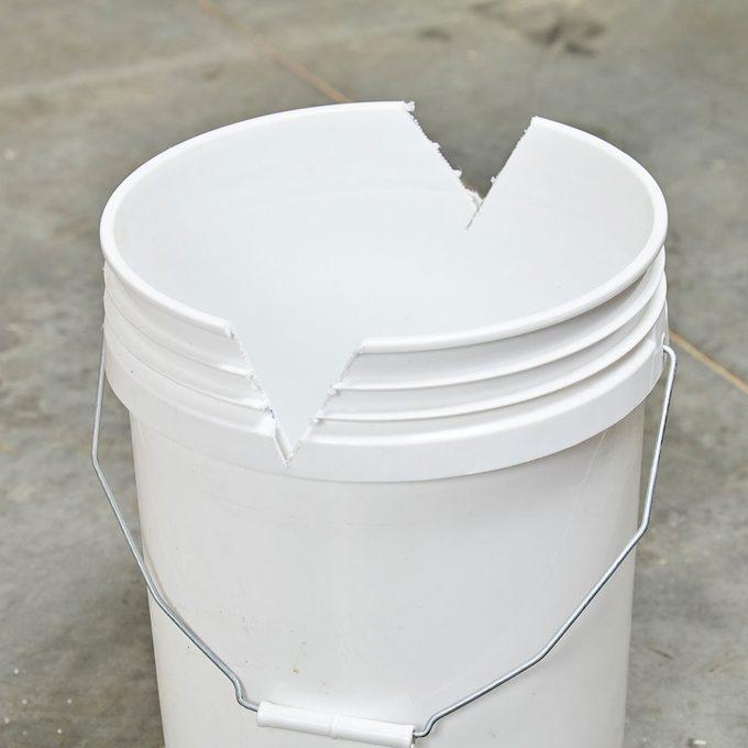 v-cut-bucket for cutting PVC
