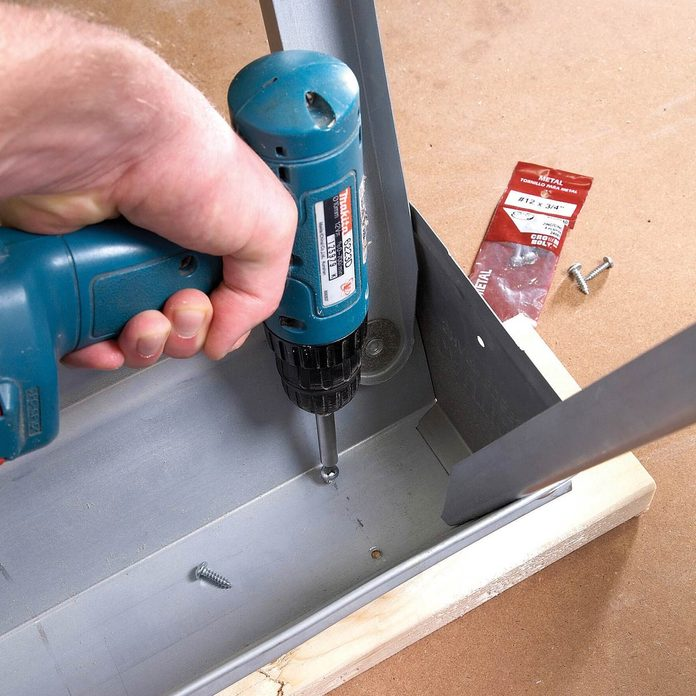 FH08NOV_493_08_008_1200 sawhorse tips