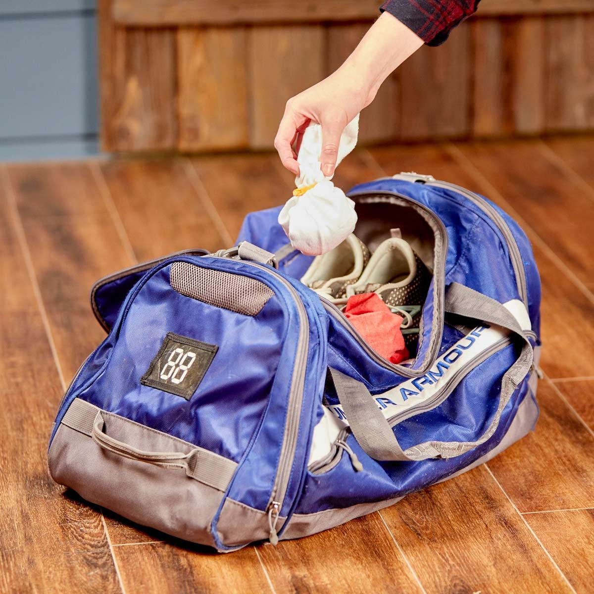 HH gym bag odor control kitty litter