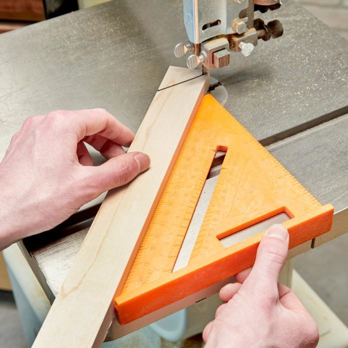 Simple Guide for Making 45-degree Bandsaw Cuts