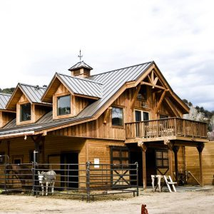 10 Houses with Incredible Stables