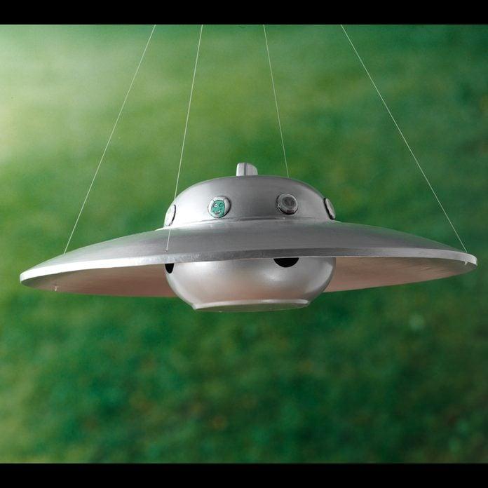 UFO-Bird-Feeder