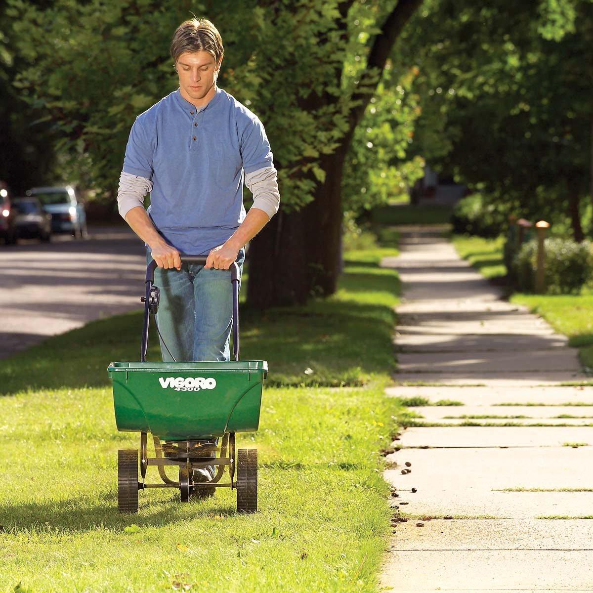 fertilizer spread crabgrass killer