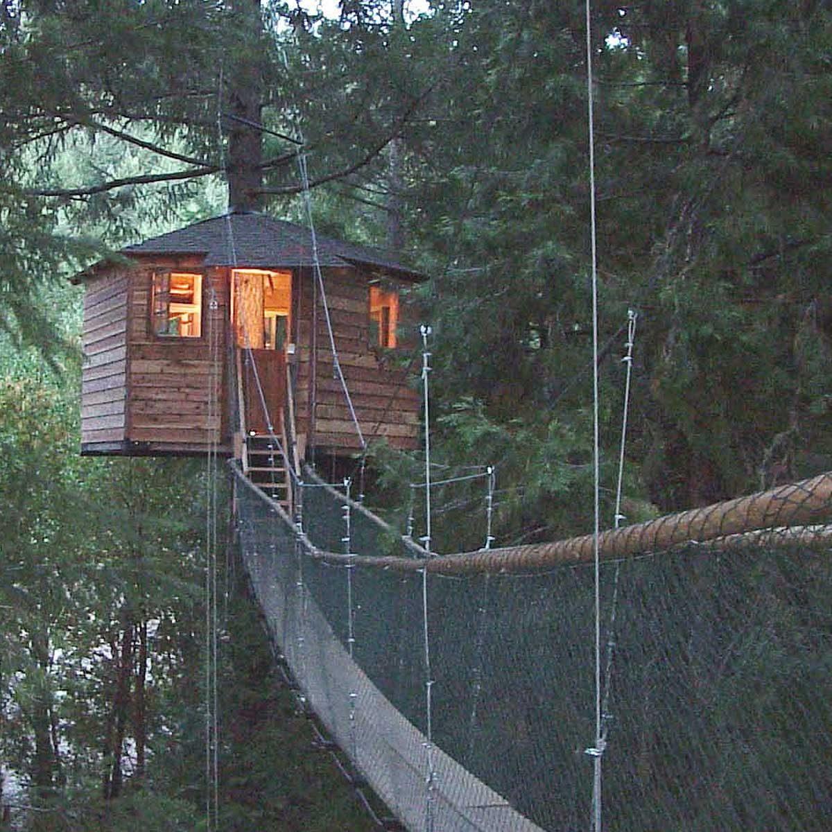 treehouse building tips suspended bridge