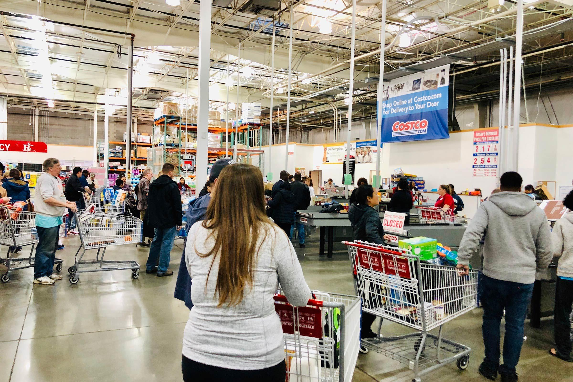 Costco wholesale checkout line