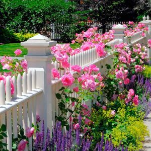 10 Favorite Flower Bed Ideas for the Front of Your House