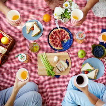 25 Things to Pack for Every Picnic