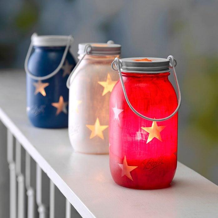 Mason jar lanterns for the 4th of July