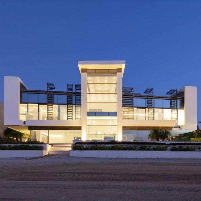 Modern mansion in Dubai that sits on the ocean beach