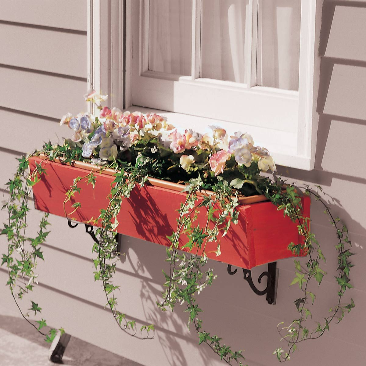 Wooden-Flower-Box-that-Wont-Rot