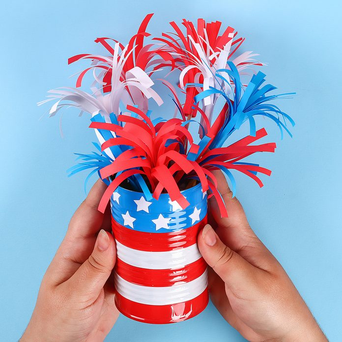 14 Diy 4th of July paper salute color American flag, red, blue, white.