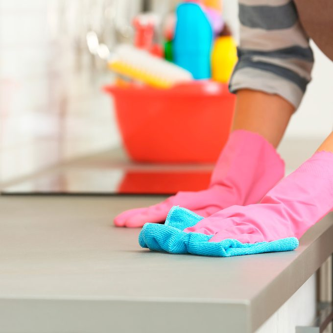 how to clean laminate countertops