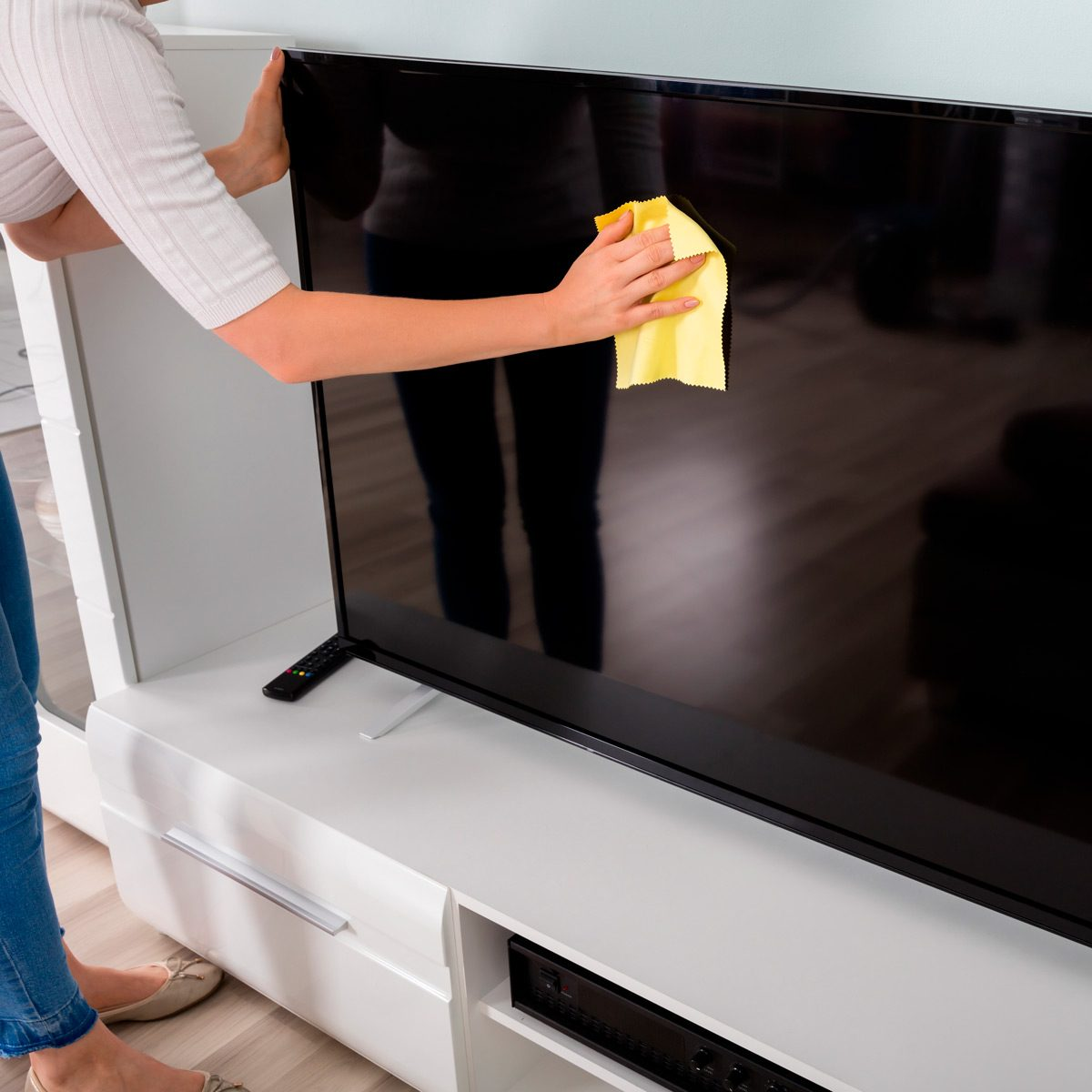 How to Clean a TV Screen