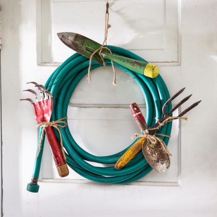 15 Front Door Décor Ideas You Can DIY